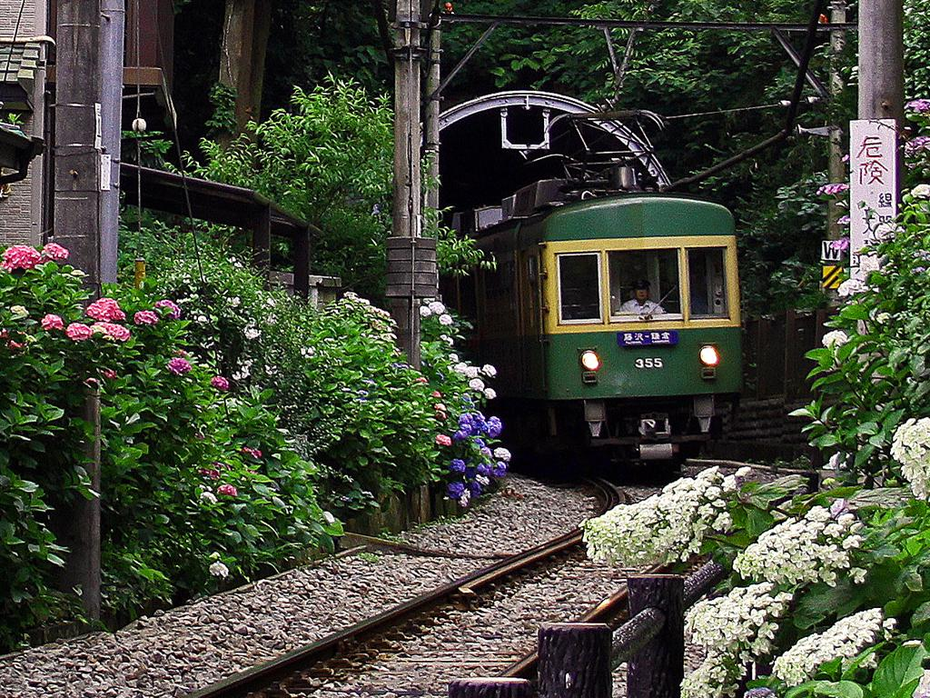 Enoshima Electric Railway (Enoshima dentetsu or Enoden), Kanagawa – Fantastic places ...